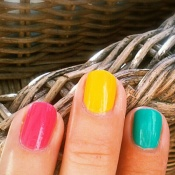 tricolor nails