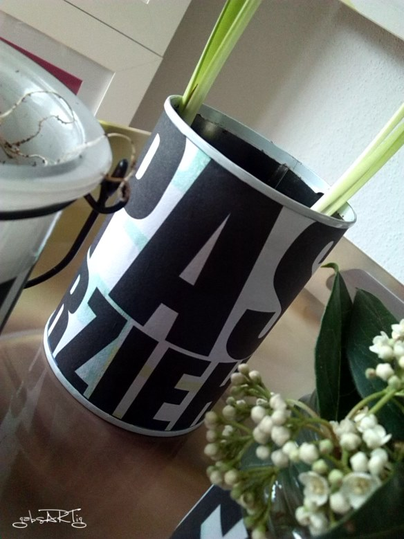 DIY - Dosen und Gläser mit Milch bekleben
