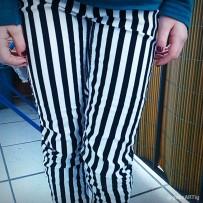 Tochterkind trägt die Hose, die ich als Teenie so liebte